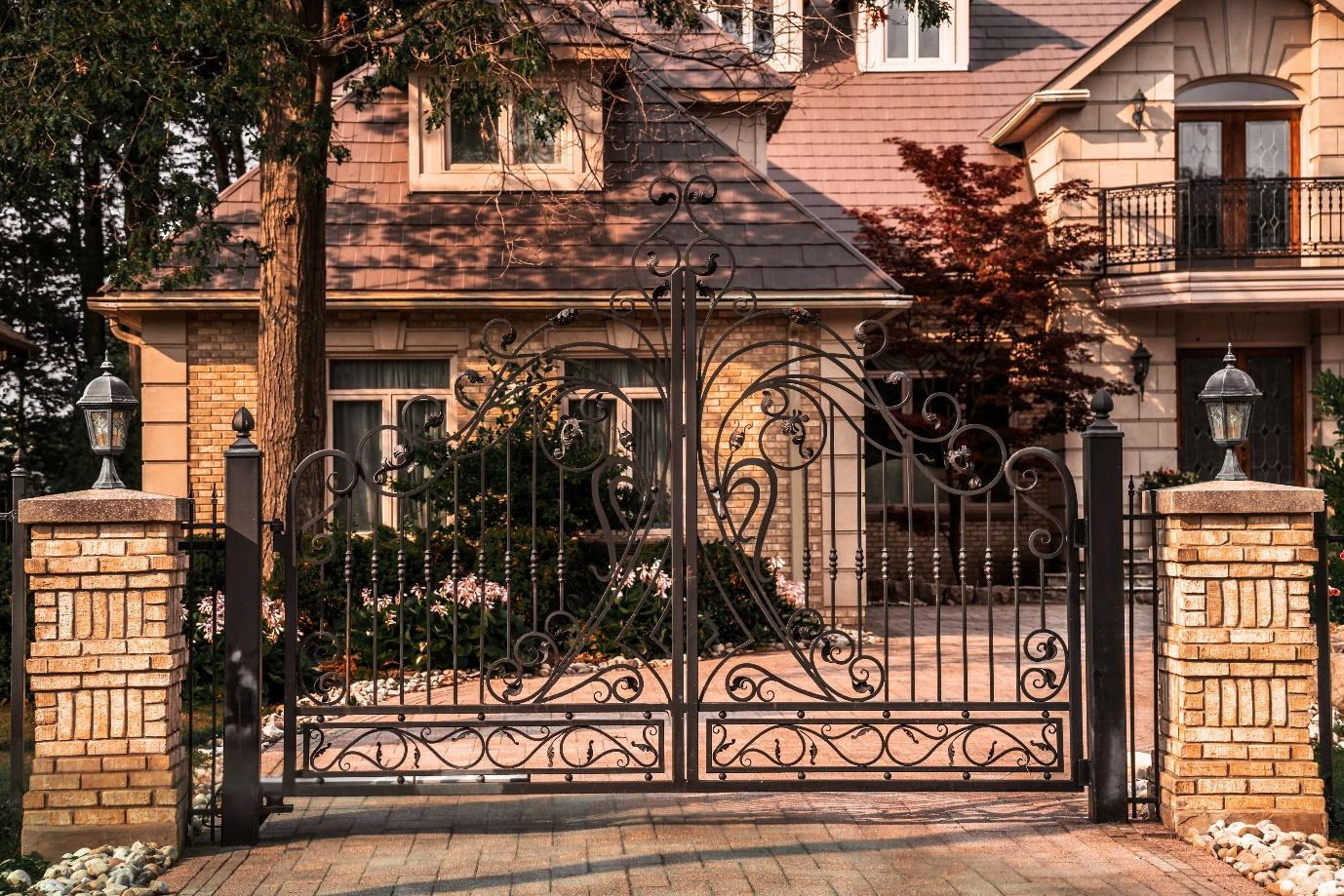 5 Reasons Why your Gates Should Be Electrically Operated