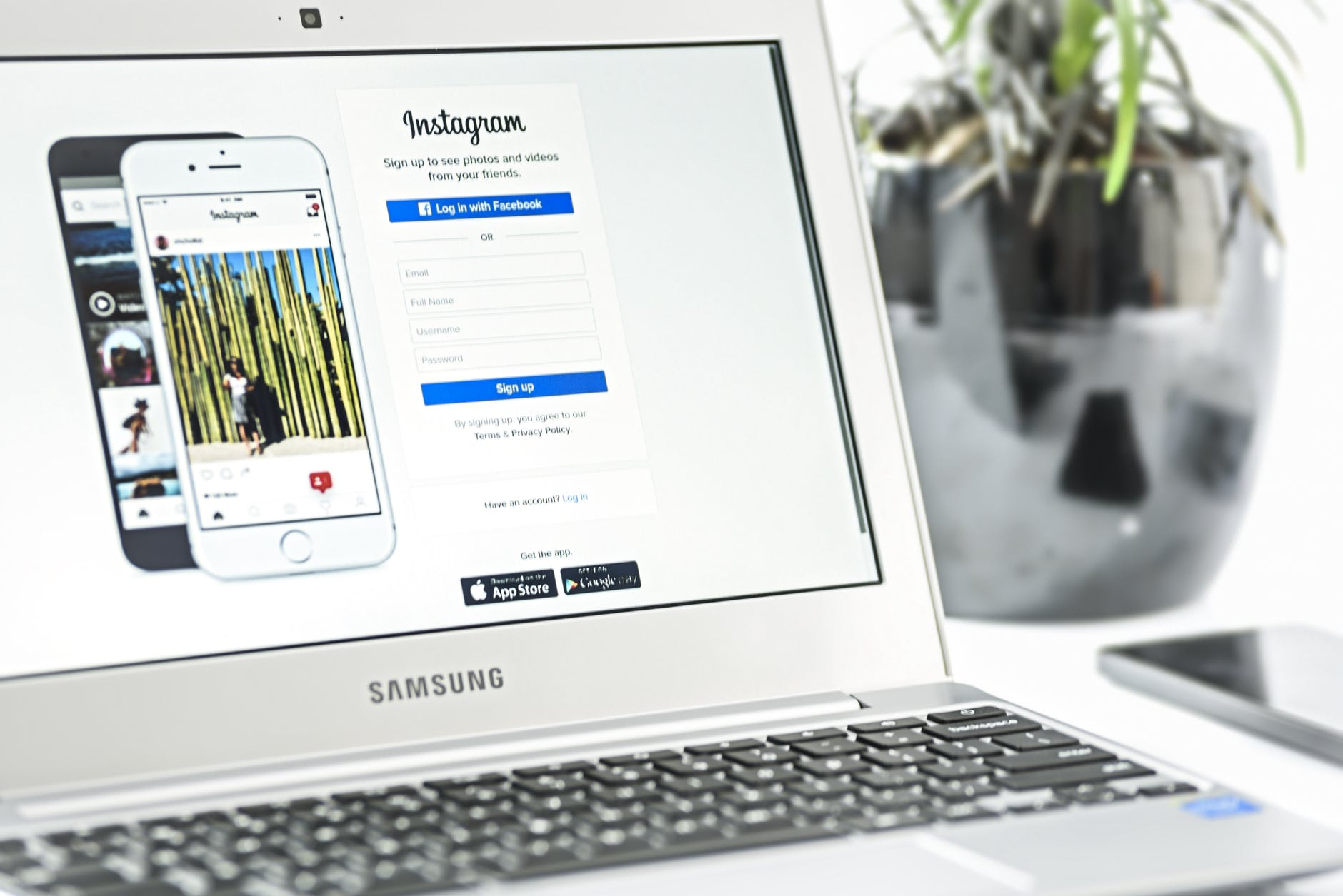 Smart Design Strategies to Keep Instagram Traffic for a Longer Time on Your Website