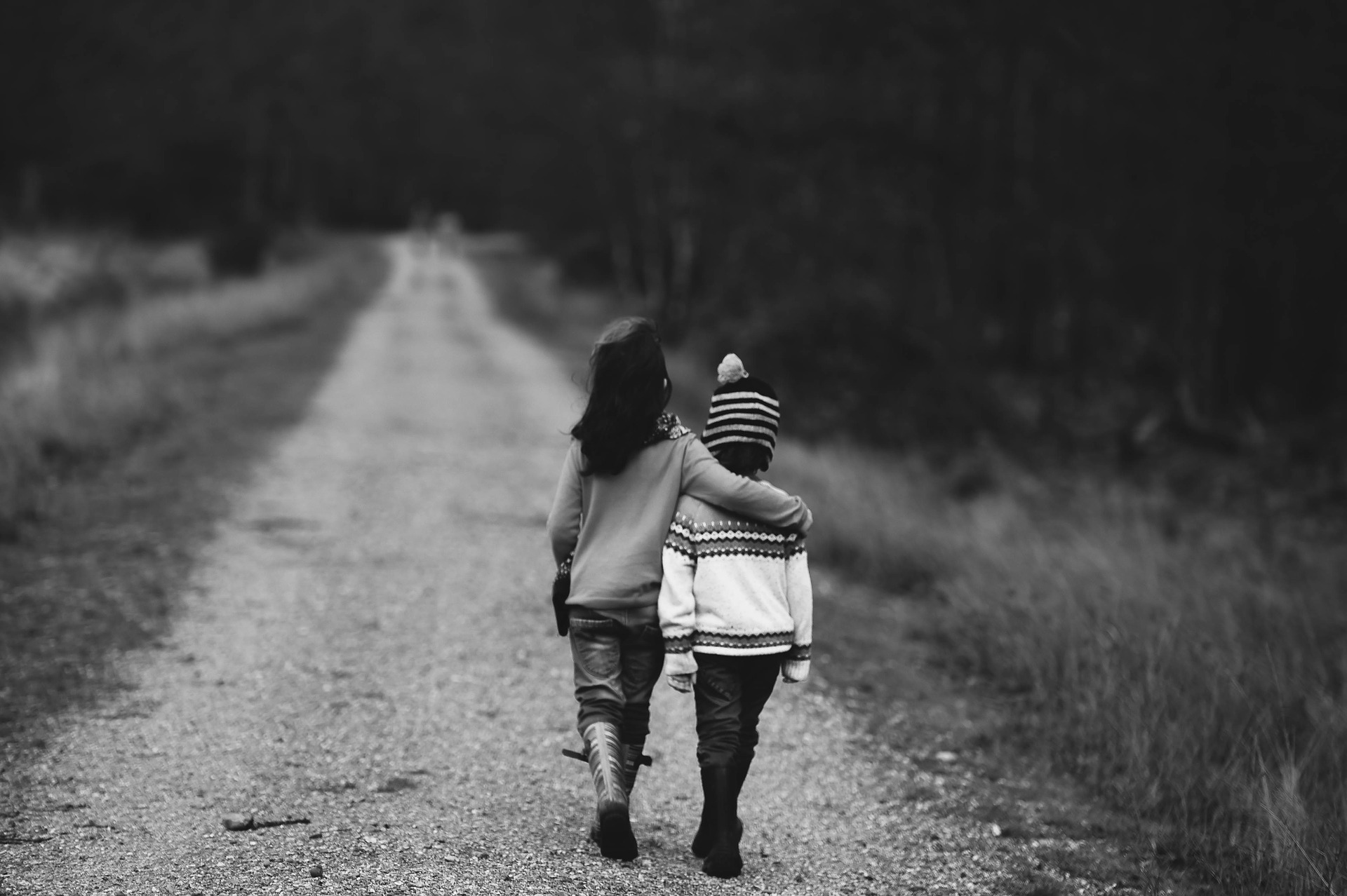 4 Ways to Raise Helpful and Charitable Children