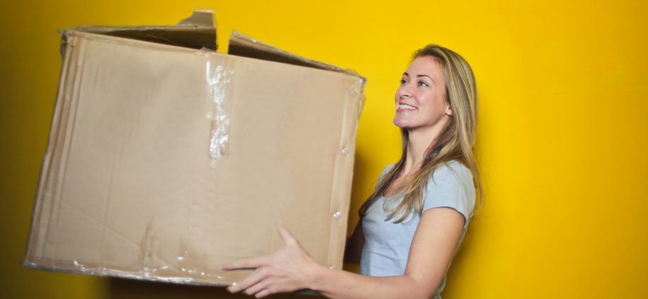 Seven Tips to Help Someone Move