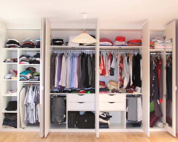 An Expert's Guide to Organizing Your Closet