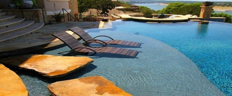 Adding Some Pool Accessories to Enjoy Swimming During Summer